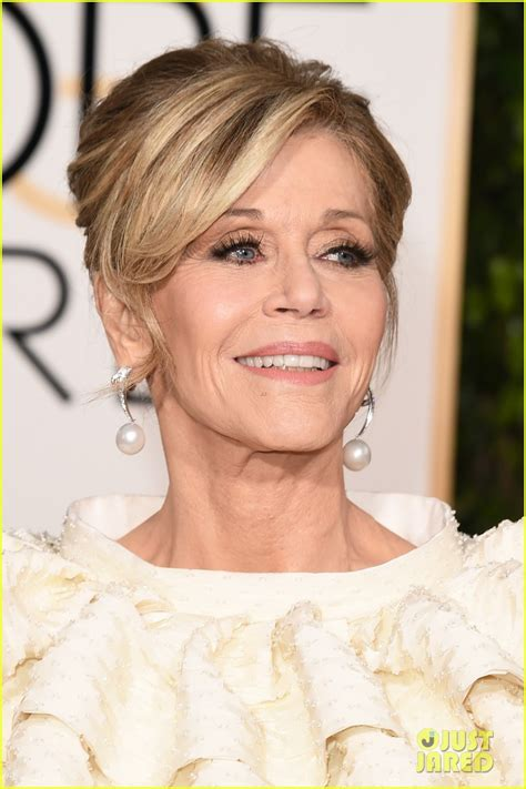 Jane Fonda Is Lady In White at Golden Globes 2016!: Photo