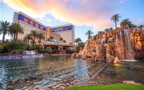 The Mirage Hotel, Las Vegas (NV)   FROM $56 - SAVE ON AGODA!