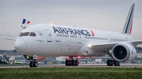 **Water Salute** Air France Boeing 787-9 first landing in