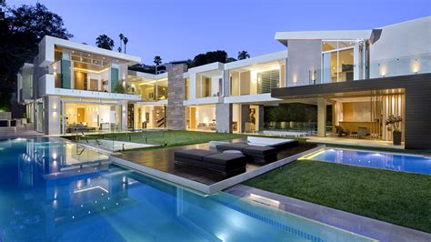 Hollywood Hills West contemporary that replaced smaller