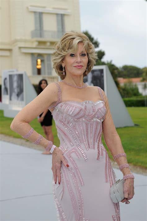 Jane Fonda: The Reluctant Fashionista - The New York Times