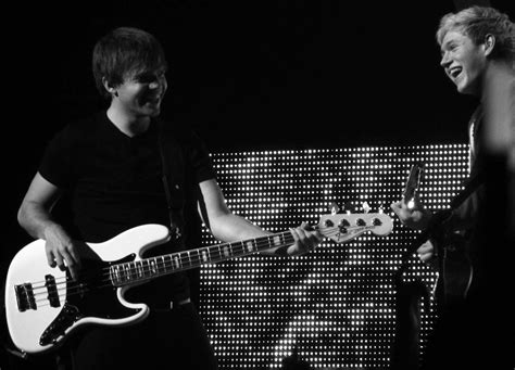 Ficheiro:Sandy Beales and Niall Horan of One Direction