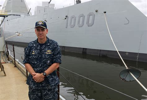 Bath, Maine - Nation's Largest Destroyer Sets Sail To Join